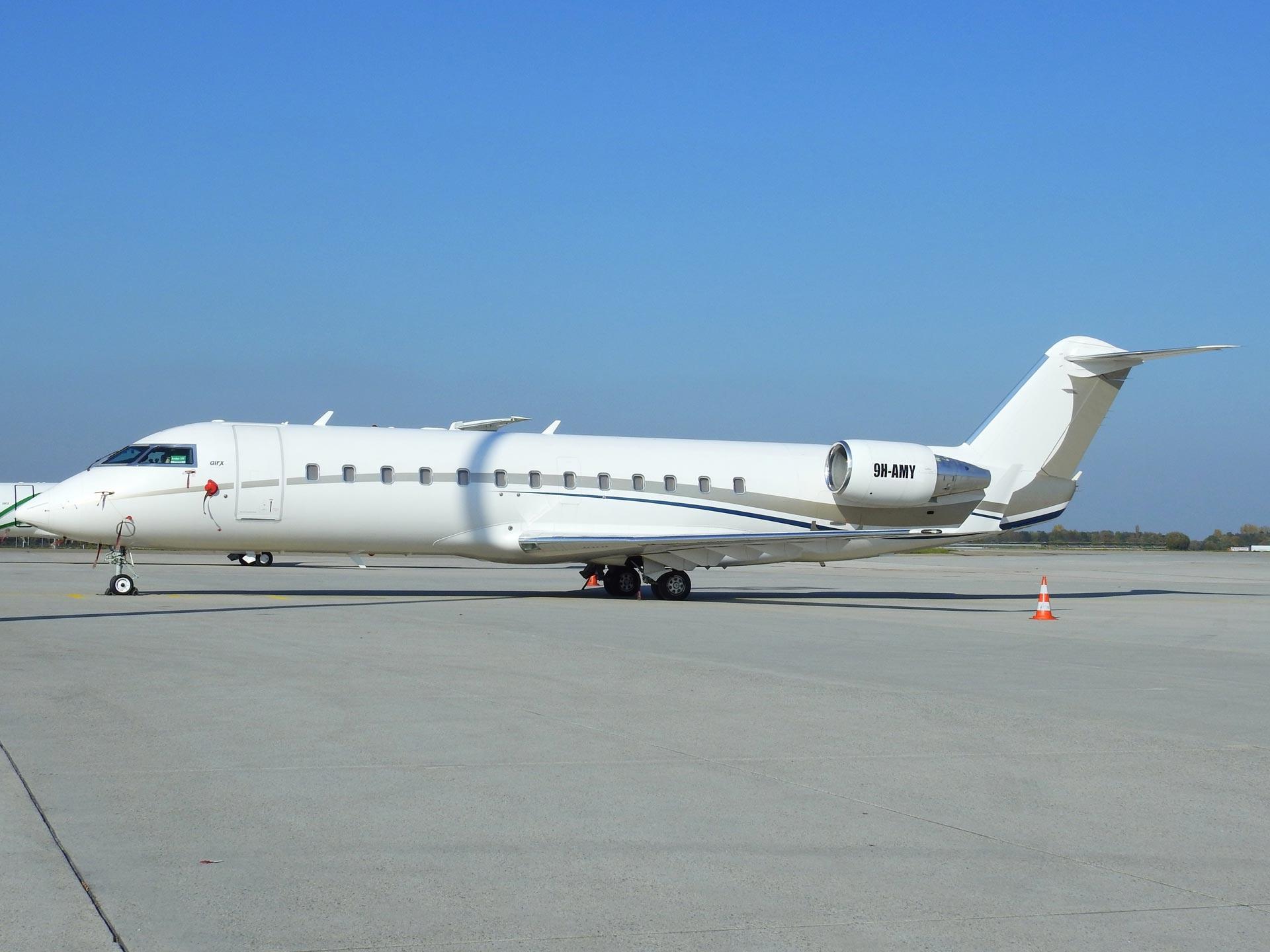 9H-AMY-AIR-X-Charter-Bombardier-CRJ-200ER-(CL-600-2B19)-(2)