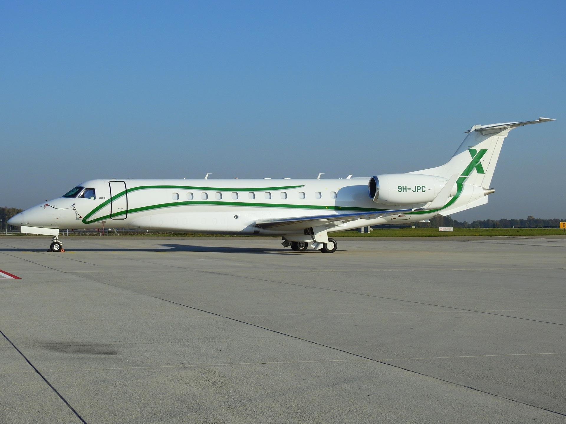 9H-JPC-AIR-X-Charter-Embraer-EMB-135BJ-Legacy-600-(1)