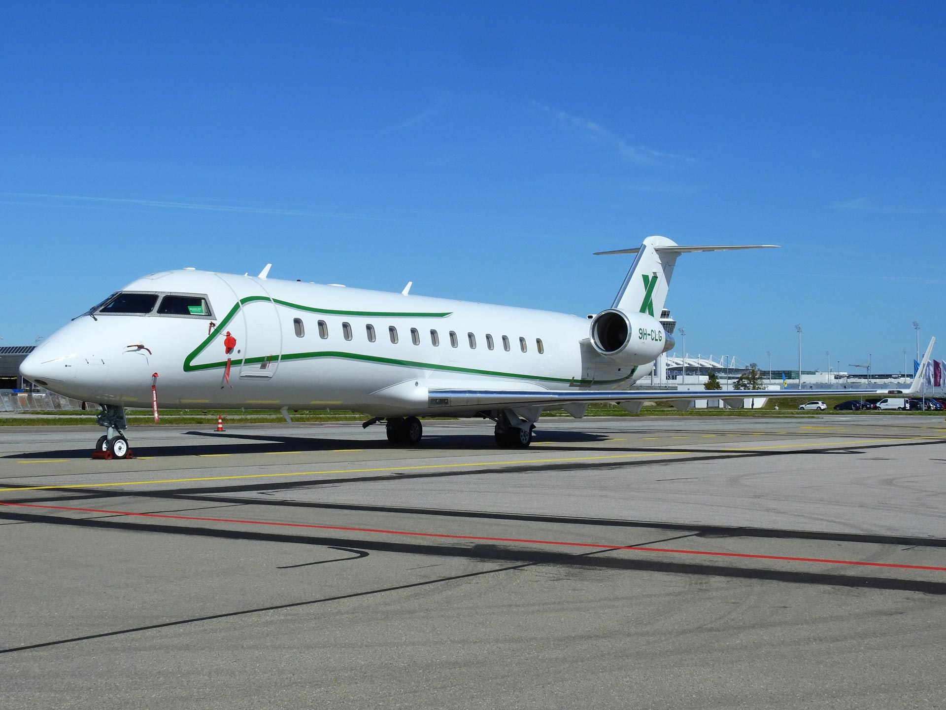 Eugen-Peteler-9H-CLG-AIR-X-Charter-Bombardier-Challenger-850-(CL-600-2B19)-(2)